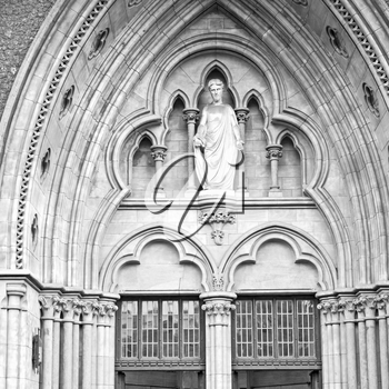 southwark cathedral in london england old construction and religion